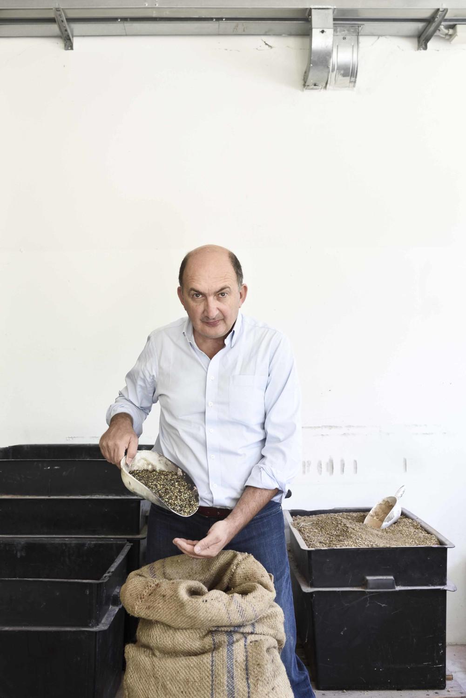mario-graziani-checks-the-quality-of-the-incense-grains