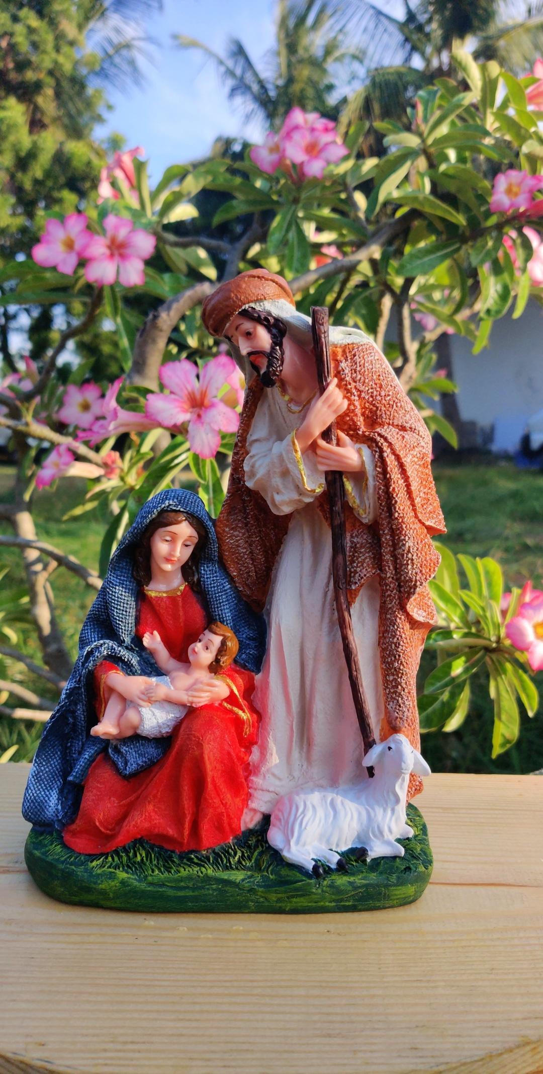 nativity-holy-family